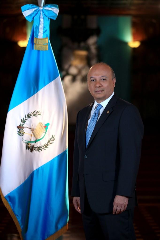 Ministro de Cultura y Deportes José Luis Chea