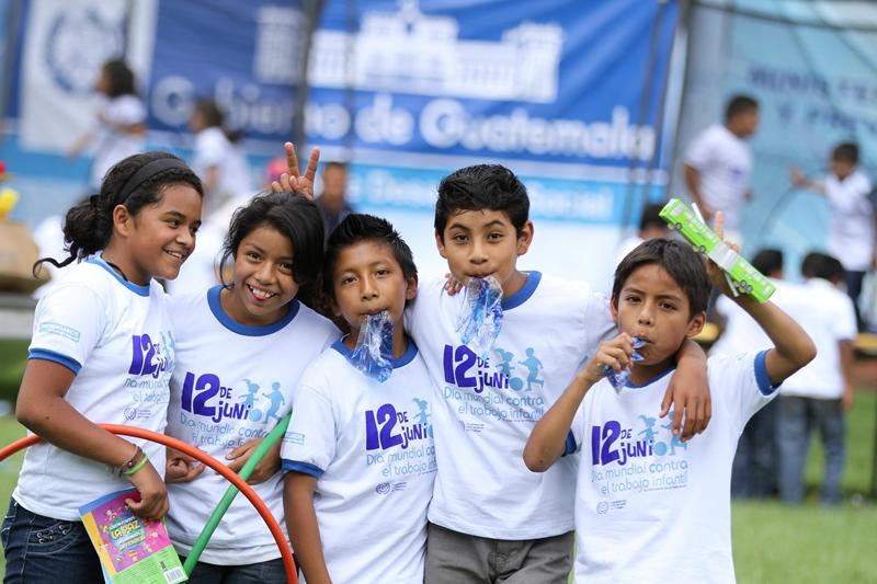 Apoyando El D A Mundial Contra El Trabajo Infantil