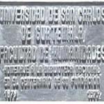 """Placa conmemorativa  dedicada al """"Centenario de la Biblioteca Nacional"""""""