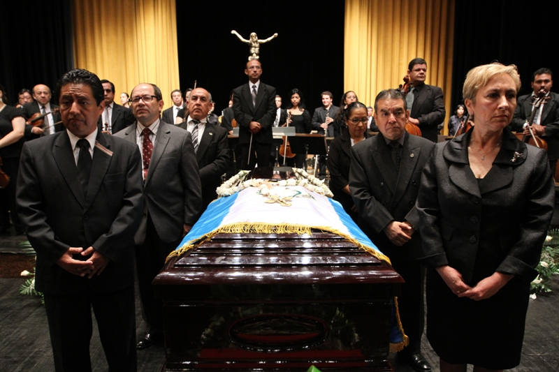Homenaje Luis giron263