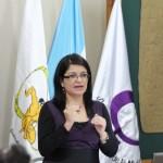 Liza Pineda, Coordinadora de Educación de la SEPREM, dio a conocer la importancia de hacer operativa la política a favor de las mujeres.