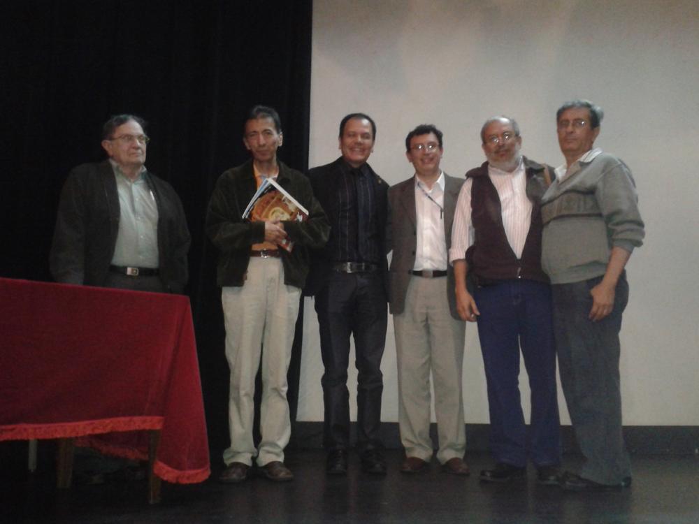 """Historiadores participaron en la  mesa redonda """"La estética y la revolución de octubre""""."""