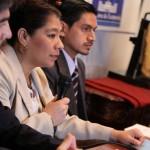 Viceministra de patrimonio Rosa Maria Chan explica como fue recuperado el panel arqueológico maya