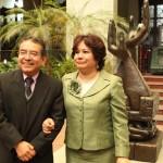 Leandro Yax, Viceministro de Cultura, felicita a la Comisionada Taracena por su nombramiento como Mensajera de la Paz