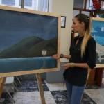 Devaki Jerez, profesora del curso, habló acerca de las pinturas.