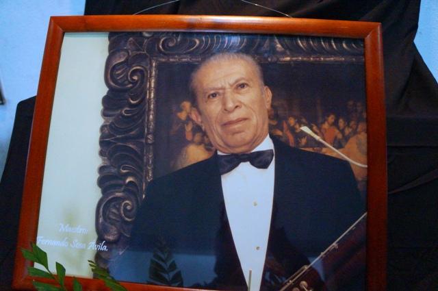 El maestro Fernando Sosa, enseñó a numerosas generaciones en el Conservatorio Nacional de Música.