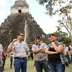 Autoridades del Parque Nacional Tikal, hicieron entrega de la obra restaurada a las autoridades del Viceministerio de Patrimonio Cultural y Natural.