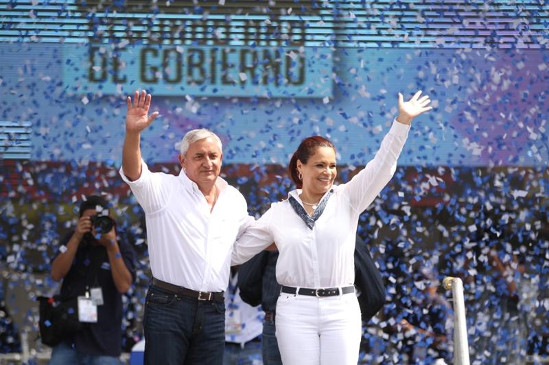 El binomio presidencial presentó en Escuintla el informe de su segundo año de gobierno