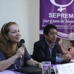 Elizabeth Quiroa titular de la SEPREM junto a Carlos Batzin, Ministro de Cultura y Deportes.