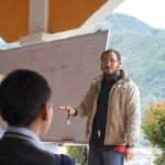 """Alejandro Garay de """"Sak Chuwen"""" impartiendo el taller."""