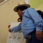 Participantes del taller presentan su trabajo de epigrafía Maya.