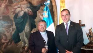 Arzobispo  Metropolitano visita a Ministro de Cultura y Deportes