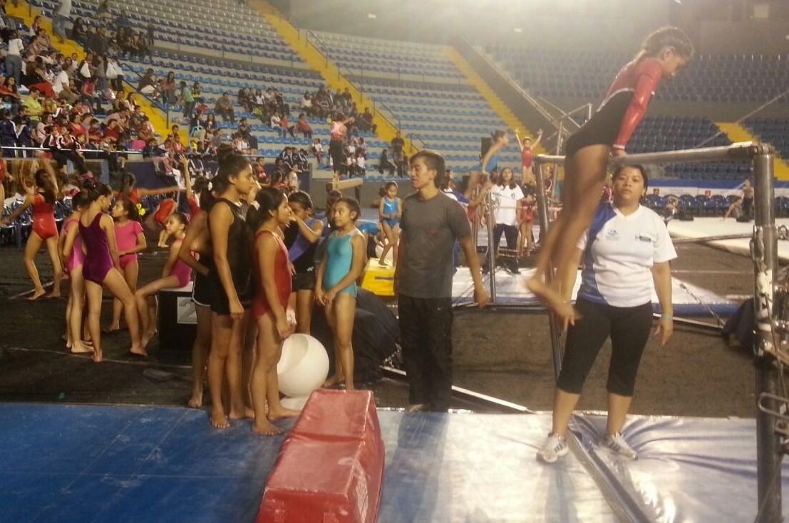 Inauguración torneo de gimnasia 59
