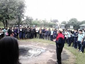 Estudiantes visitan Kaminaljuyu