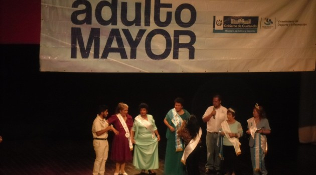 PROGRAMA DE ADULTO MAYOR - ELECCION DE MADRINA 340