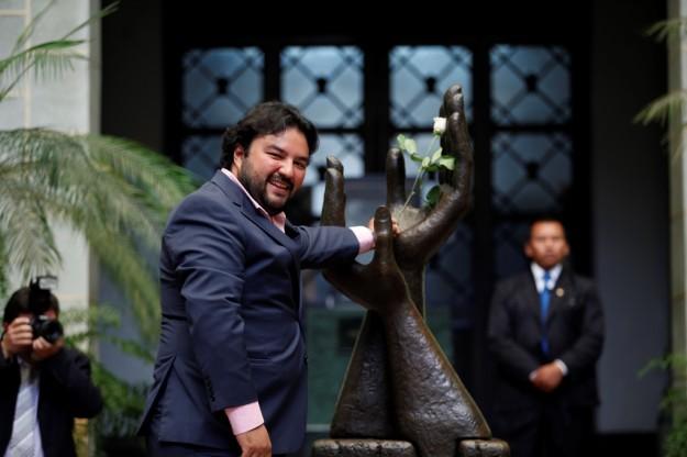 Mario Chang Cambio de la Rosa de la Paz_5039