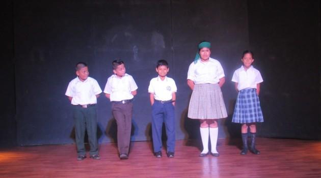 Centro Cultural de Escuintla organiza concurso de declamación_1030 (2)