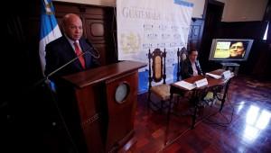 MINISTRO CHEA ANUNCIA A GANADORA DEL PREMIO NACIONAL DE LITERATURA
