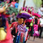 honran-con-cambio-de-la-rosa-a-educadora-guatemalteca1