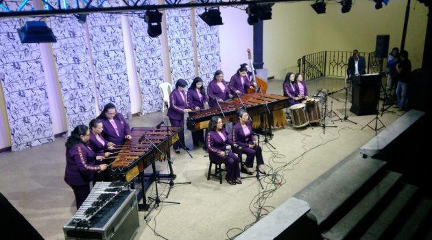marimba-femenina-de-concierto