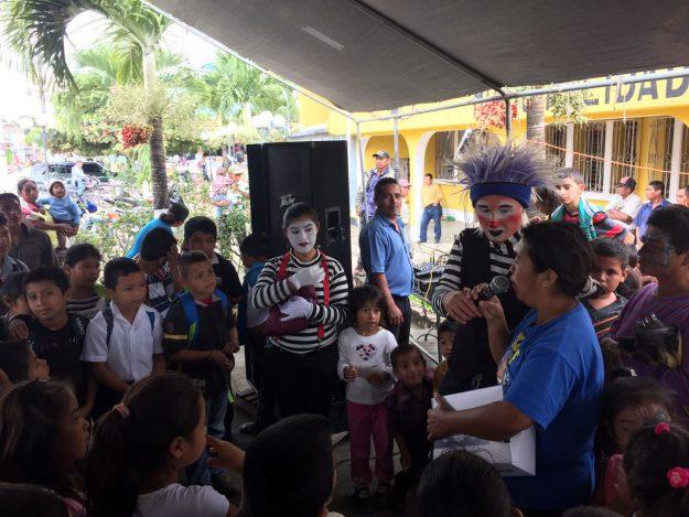 Festival Recreo lleva diversión a pobladores de Petén-WA0030