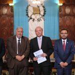 Ministro José Luis Chea Urruela comparte logros de su administración con personal del Ministerio de Cultura y Deportes