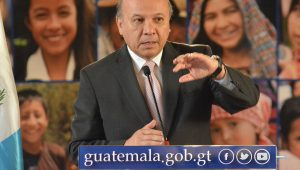Ministro Chea Urruela da a conocer procesos para mejoras en edificios públicos