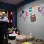 CREA y Editorial Cultura brindan acercamiento con la lectura y la literatura a alumnos de colegio en San Lucas Sacatepéquez_104023