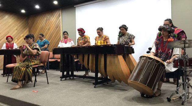 Marimba Femenina de Concierto de gira en colombia