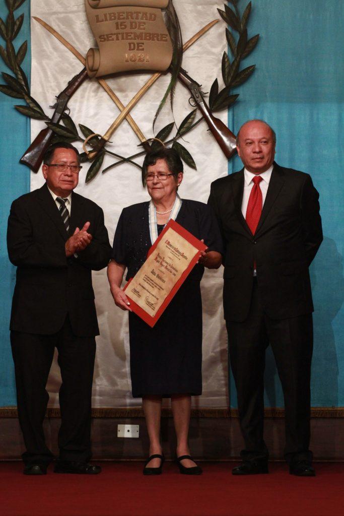 Delia-quiñones-premio-nacional-de-literatura-2016-2