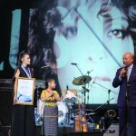 Medalla de la Paz a Gaby Moreno 4