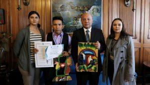 talento académico con el Premio a la Excelencia Estudiantil