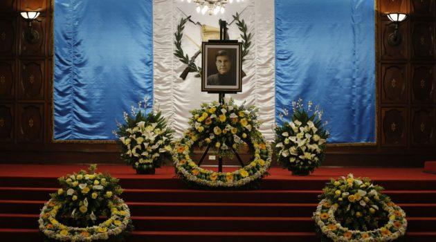Ministerio de Cultura y Deportes rinde emotivas honras fúnebres a Elmar René Rojas